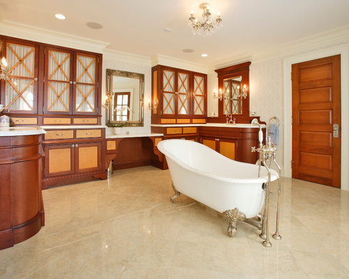 salle de bain victorienne avec un placard porte vitr e photos et id es d co de salles de bain. Black Bedroom Furniture Sets. Home Design Ideas