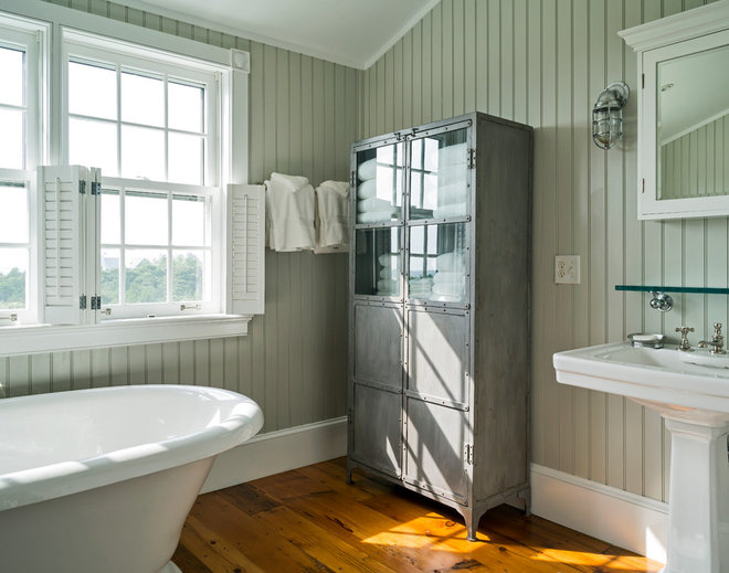 Houzz Tour: Taking 'Ye Olde' Out of a Nantucket Shingle-Style Home
