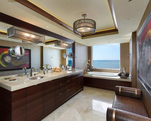 Badezimmer mit steinplatten und brauner wandfarbe design for Badezimmer wandfarbe