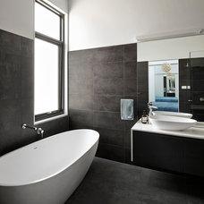 Contemporary Bathroom by Adam Dettrick Architects