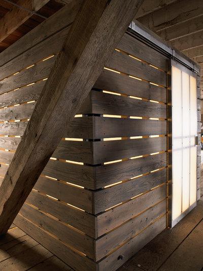 インダストリアル 浴室 by chadbourne + doss architects