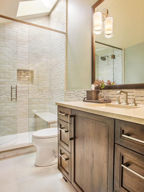 Mid sized rustic bathroom design ideas remodels photos for Mid size bathroom ideas