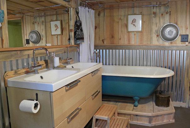 Craftsman Bathroom by Sarah Greenman