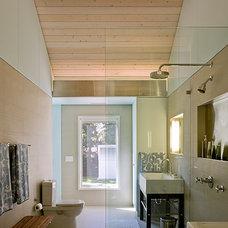 Contemporary Bathroom by Wheeler Kearns Architects