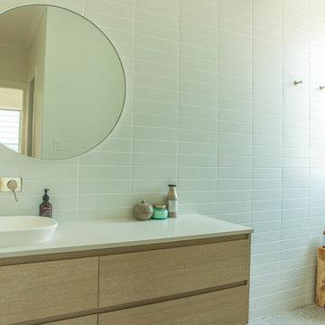 NEW BUILD: Master   Ensuite   Upstairs   Bathroom
