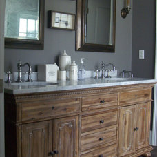 Farmhouse Bathroom by Kevin Quinlan Architecture LLC