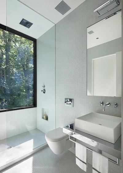 Modern Bathroom by Specht Architects