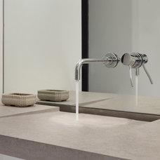 Contemporary Bathroom by Ainslie-Davis Construction