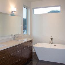 Contemporary Bathroom by Balmoral Construction Inc.