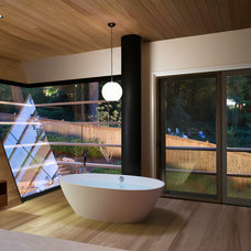 Contemporary Bathroom by Dencity