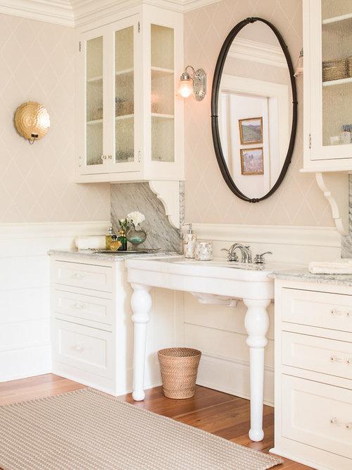 Salle de bain campagne avec un placard porte vitr e for Porte de placard salle de bain