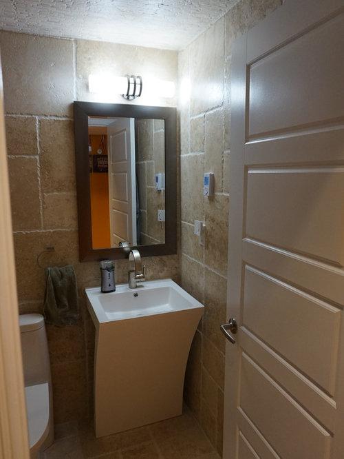 Salle d\'eau moderne avec du carrelage en travertin : Photos et idées ...