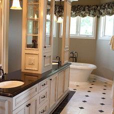 Traditional Bathroom by DEICHMAN CONSTRUCTION