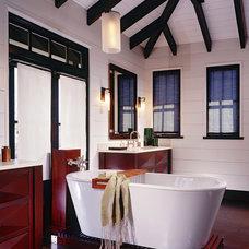 Tropical Bathroom by Sennikoff Architects
