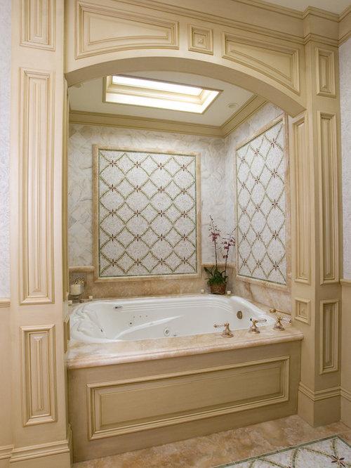 Enclosed Bathtub | Houzz