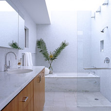 modern bathroom by Paul Davis Architects