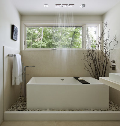 contemporaneo stanza da bagno by denali construction