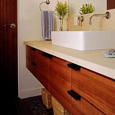 Modern Bathroom by David Vandervort Architects