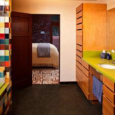 Contemporary Bathroom by Linda Brettler Architect
