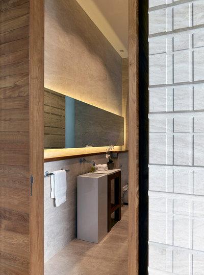 Bathroom by Greg Shand Architects