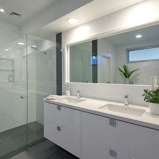 Contemporary Bathroom by Studio Tonic
