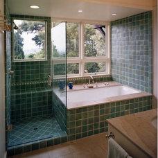Bathroom by Jetton Construction, Inc.