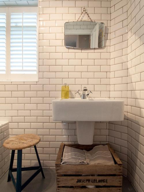 eklektische badezimmer mit wandwaschbecken design ideen beispiele f r die badgestaltung houzz. Black Bedroom Furniture Sets. Home Design Ideas