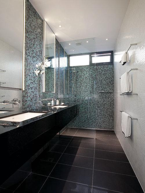 salles de bains et wc modernes avec un mur multicolore photos et id es d co de salles de bains. Black Bedroom Furniture Sets. Home Design Ideas