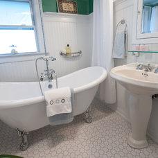Traditional Bathroom by Nathan J. Reynolds