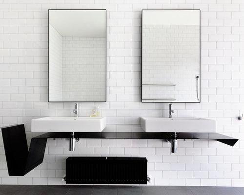 salle de bain de taille moyenne avec un plan de toilette en acier inoxydable photos et id es. Black Bedroom Furniture Sets. Home Design Ideas