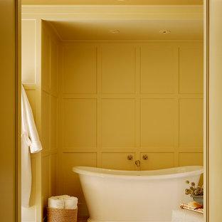 Idee per una stanza da bagno chic con vasca freestanding