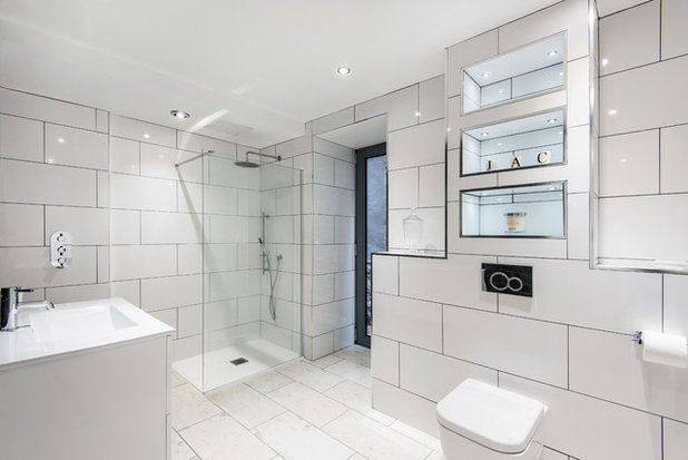 Contemporary Bathroom by MawsonKerr Architects