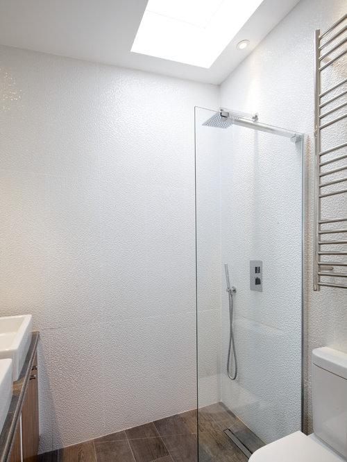 Small Minimalist Bathroom Photo In London Part 52