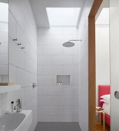 Come rendere interessanti le piastrelle bianche del bagno - Piastrelle diamantate bagno ...