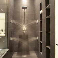 Modern Bathroom by JENDRETZKI LLC