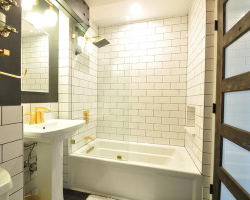 industrial badezimmer mit badewanne in nische ideen beispiele f r die badgestaltung houzz. Black Bedroom Furniture Sets. Home Design Ideas