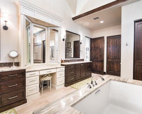 75 Mediterranean Bathroom With Vinyl Flooring Design Ideas