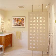 Contemporary Bathroom by Michael Mullin Architect