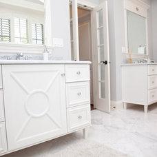 Bathroom by Oakley Home Builders