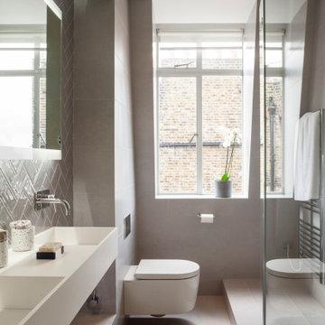 Oakwood Court | Laundry and Shower