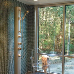 modern bathroom by Oceanside Glasstile