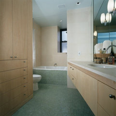 bathroom by Oceanside Glasstile