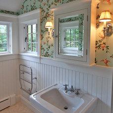 Craftsman Bathroom by Priestley + Associates Architecture