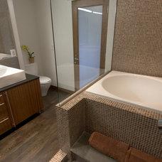 Asian Bathroom by The Sakura Group