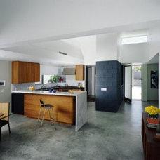 Modern Bathroom by OJMR Architects