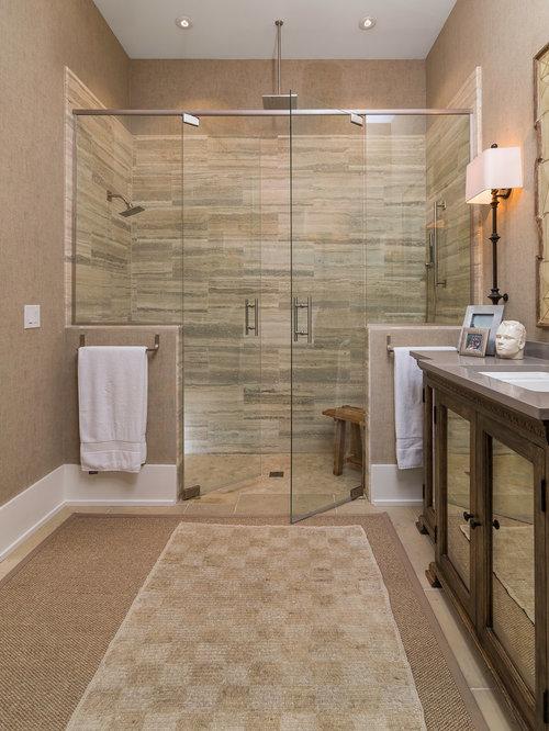 Badezimmer mit travertin und bodengleicher dusche design ideen beispiele f r die badgestaltung - Mediterrane badezimmer fliesen ...