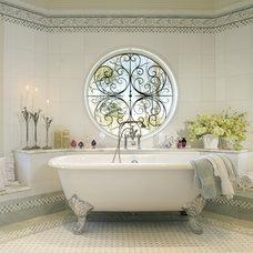 Bathroom by Sussan Lari Architect PC