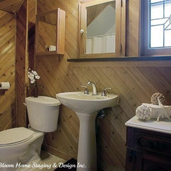 traditional bathroom by Rooms in Bloom Home Staging & Design Inc.