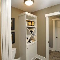 Modern Bathroom by Weaver Custom Homes
