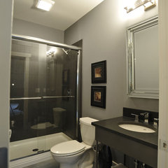 modern bathroom by Weaver Custom Homes